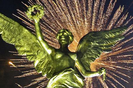 Saldo blanco en celebración de Año Nuevo en Reforma