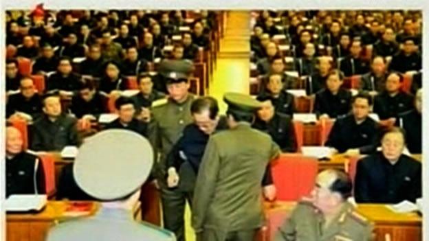 Kim Jong-Un defiende la ejecución de su tío
