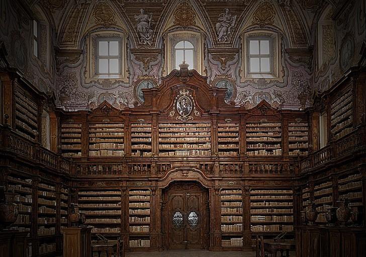 Roban una de las bibliotecas más valiosas de Italia