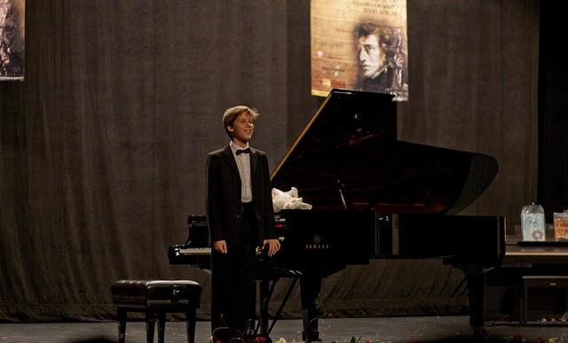 Vladimir Petrov, pianista de 16 años, tocará en Bellas Artes
