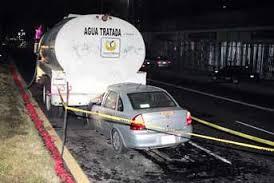Fallece automovilista al estrellar su vehículo contra una pipa