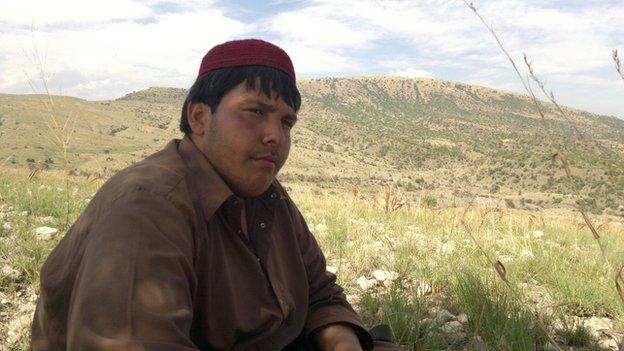 Alumno impide ataque a escuela en Pakistán en acto heroíco