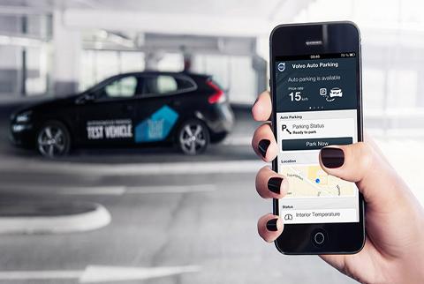 Una app que te estaciona el coche