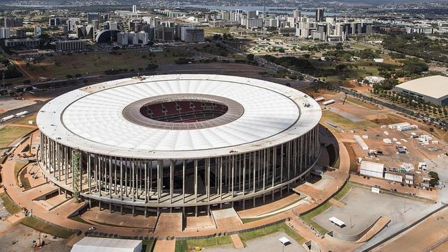 El estadio más caro del Mundial Brasil 2014, con goteras