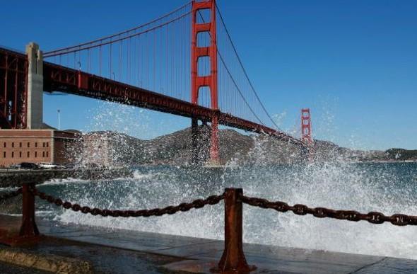 ¿Cómo evitar suicidios en el Golden Gate?