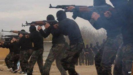 Gobierno sirio tortura y ejecuta a 11.000 personas