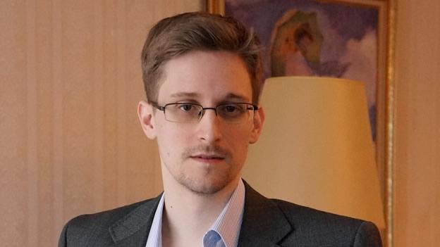 Rusia extiende el asilo político de Edward Snowden