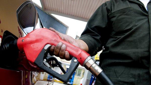 Buscan congelar precios de combustibles