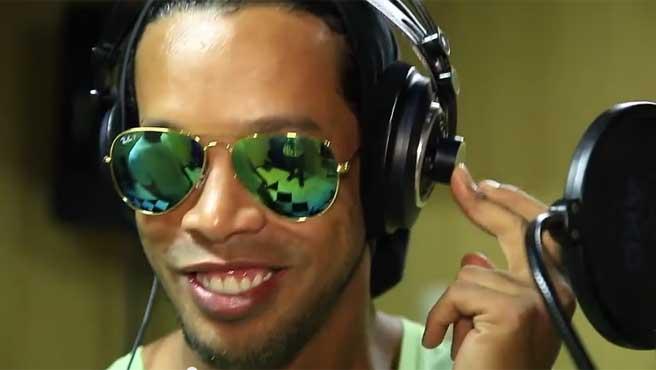 Ronaldinho se estrena como rapero