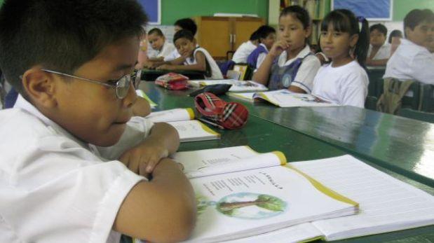 Sancionarán a funcionarios por errores en libros de texto