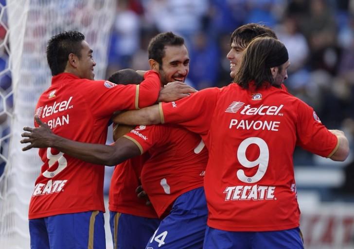 Cruz Azul golea 4-0 a Veracruz en festejo completo ante su afición