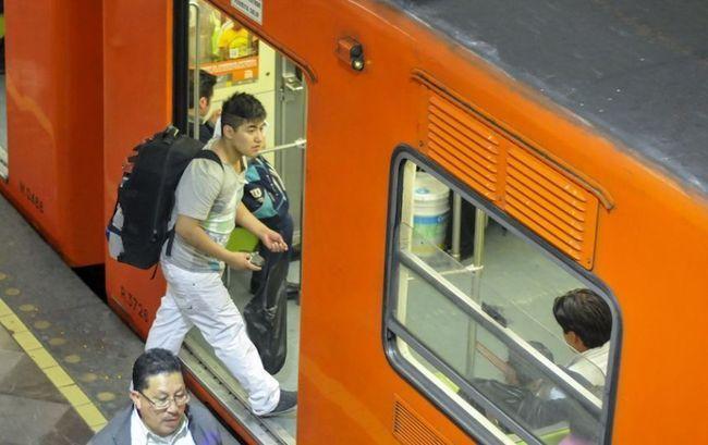 En cuanto vagoneros firmen acuerdo, saldrán del Metro