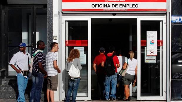 Aumenta desempleo en España
