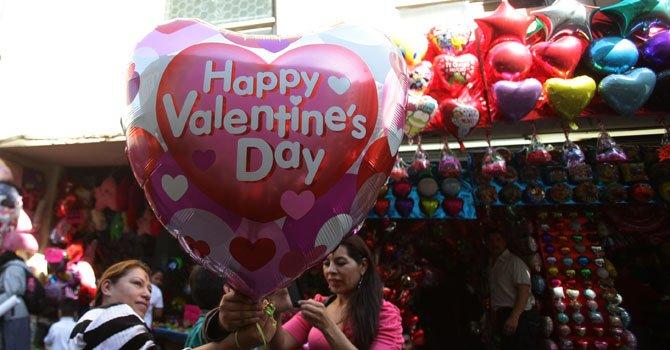 Restaurantes y comercios del DF abarrotados en San Valentín