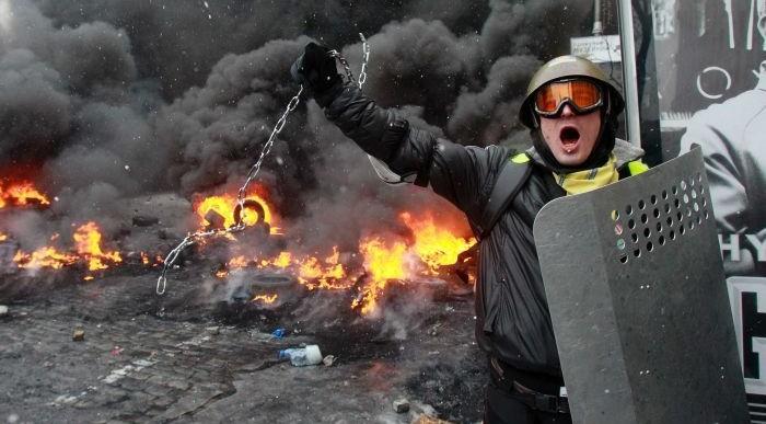 Presidente de Ucrania quita a despoja a jefe militar por crisis