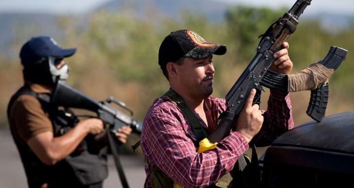 Mexicanos confían más en autodefensas que en las Fuerzas Armadas