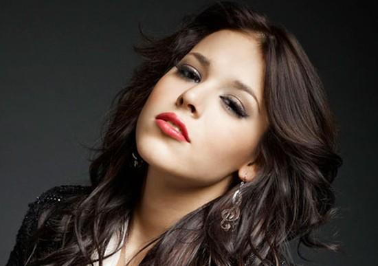 Danna Paola le arrebata papel a Selena Gomez