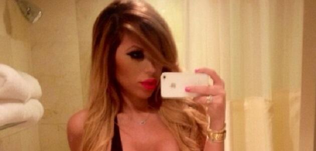 Hija de Laura Bozzo publica fotografías casi desnuda