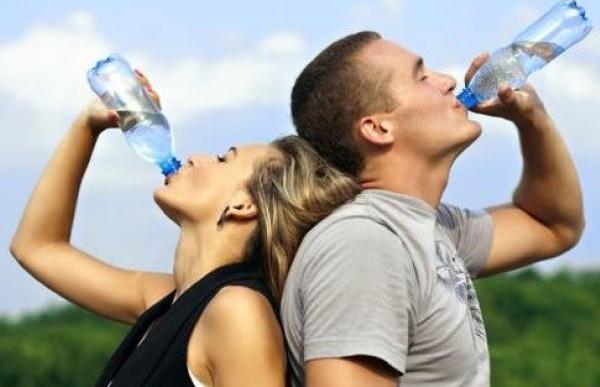 Tomar demasiada agua no te hará más saludable