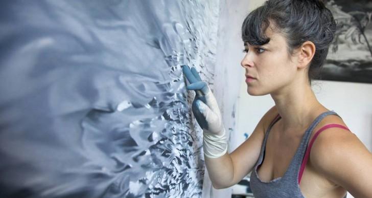 Los fríos paisajes hiperrealistas pintados por Zaria Forman