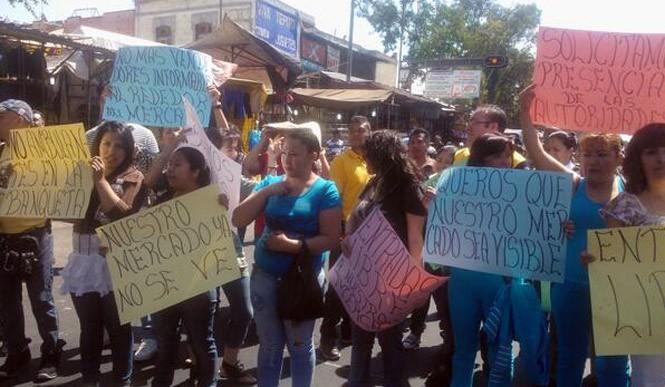 Manifestantes bloquean el Eje 1 Norte