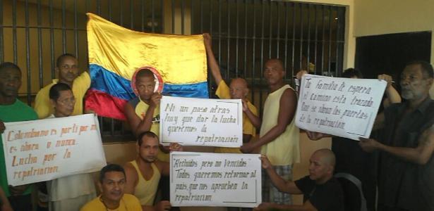 300 colombianos en huelga de hambre en cárcel
