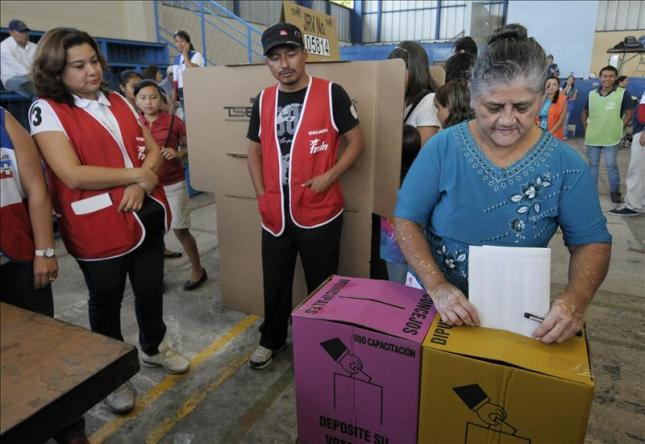 Listo El Salvador para segunda vuelta de elecciones presidenciales