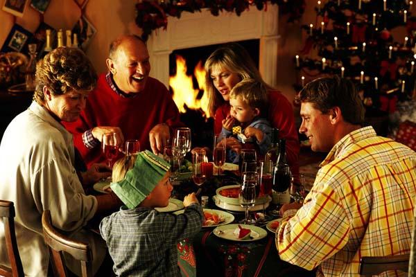 ¿Deberíamos siempre cenar junto con la familia?