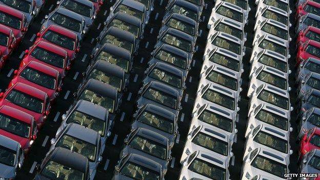 Miles de coches extranjeros serán destruidos