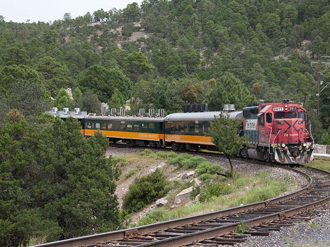 Abren camino para el tren rápido México-Querétaro