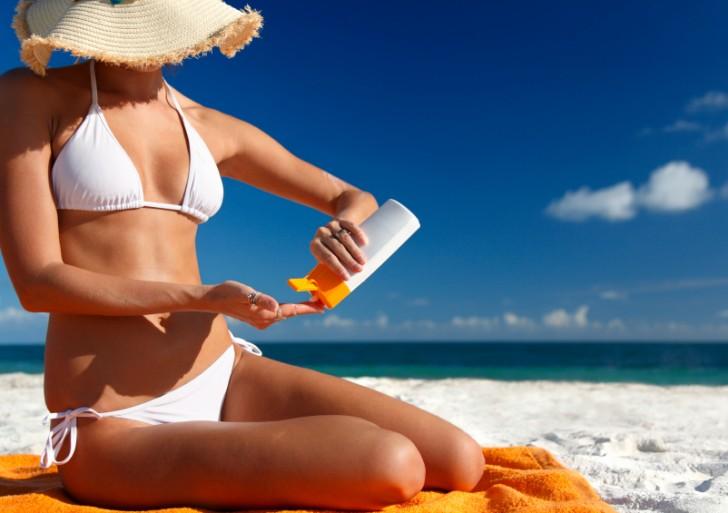 Dermatólogos llaman a protegerse del sol para evitar cáncer