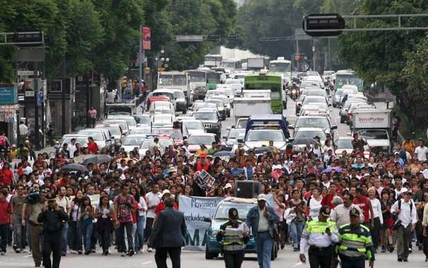 Marcha genera problemas viales en Paseo de la Reforma