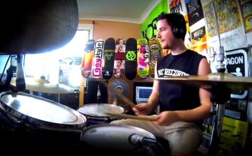 El baterista que toca todas las canciones de Green Day en 5 minutos