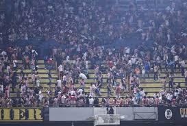 Debe haber investigación antes de castigar a fans