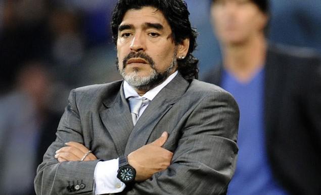 Maradona reclama su derecho a dirigir a la selección argentina