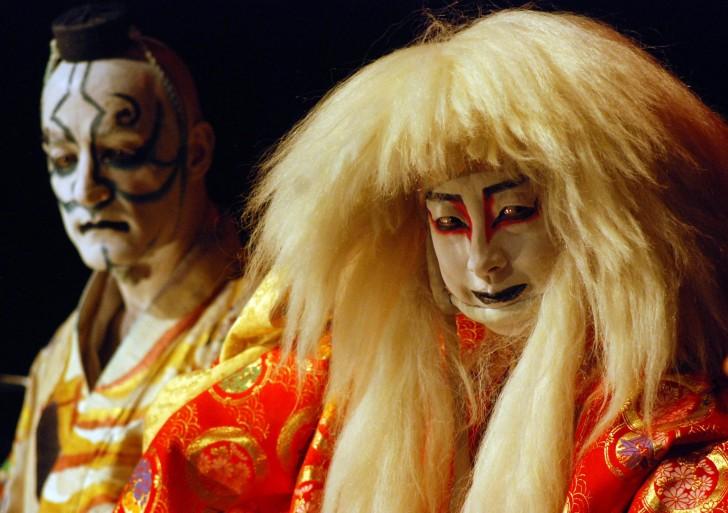 Danza, caligrafía y música dan vida a Mai Sho Gaku, trazos de fuego