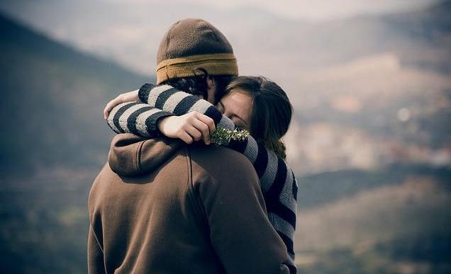 Conoce los beneficios que los abrazos brindan a la salud