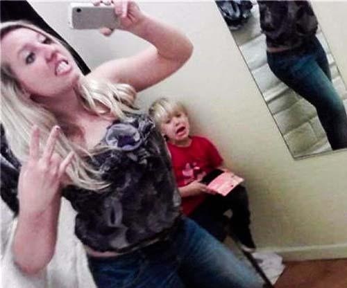 Lo que pasa cuando eres una mamá adicta a las selfies
