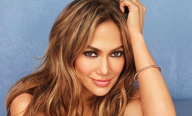 Jennifer Lopez al natural: en bikini y sin maquillaje