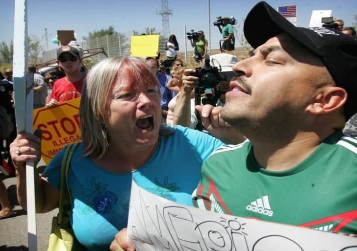 Lupillo Rivera, en defensa de los indocumentados en California