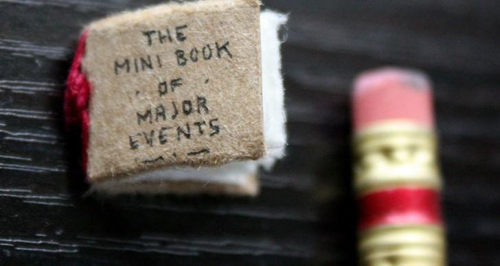 Un mini libro resume los principales acontecimientos de la vida en la Tierra