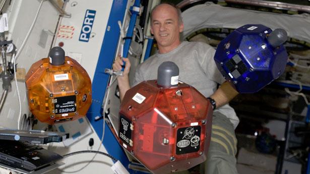 NASA equipará a robots espaciales con smartphones