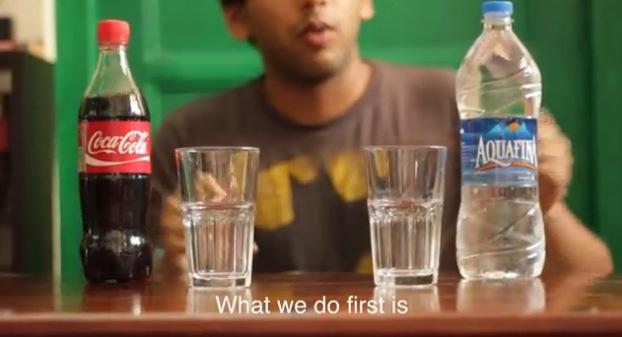 Coca + Agua + Celular = no lo vas a creer