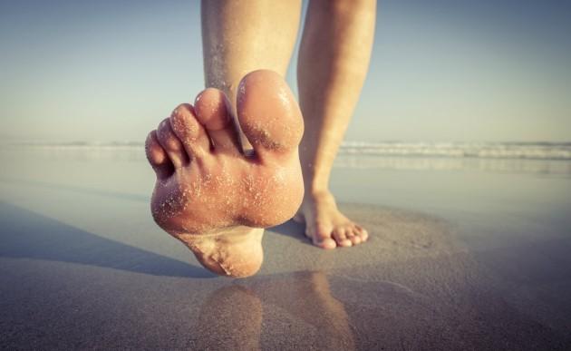 Estos son los beneficios de andar descalzos