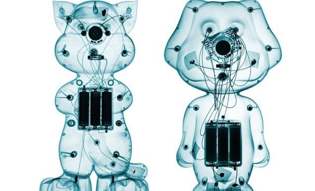 Juguetes bajo rayos X por Brendan Fitzpatrick
