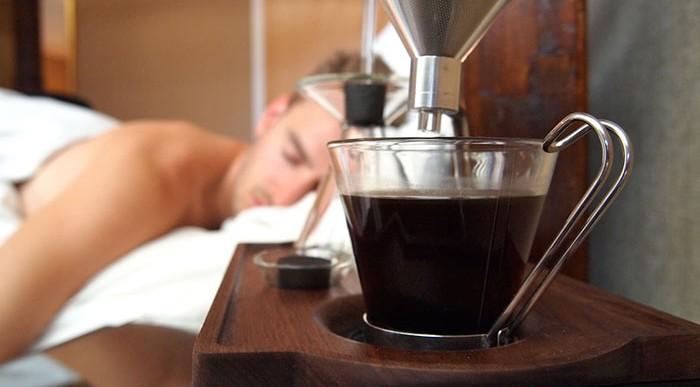 Este despertador te ayudará a levantarte con una taza de café recién hecho