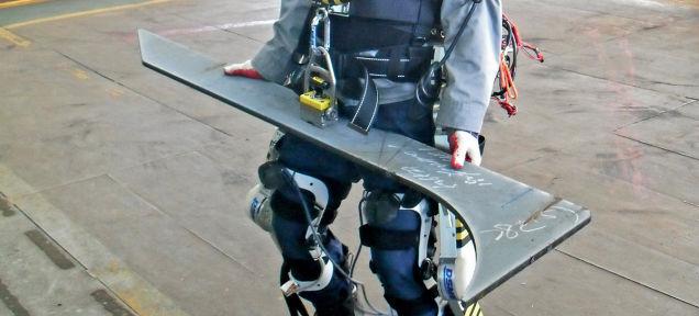 Obreros ya están empezando a usar los exoesqueletos robóticos