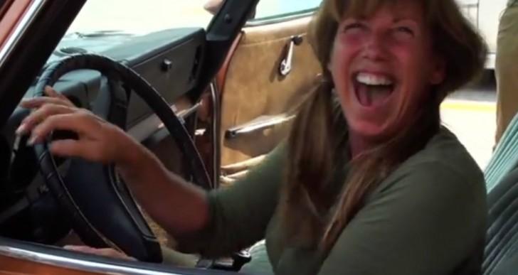 Así reaccionará tu mamá cuando le regales el coche que siempre quiso