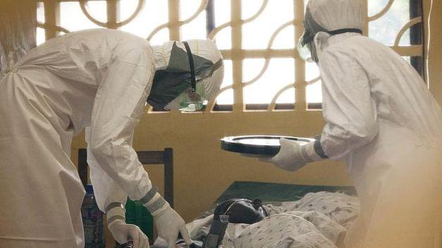Huyen 17 enfermos de ébola de centro de aislamiento en Liberia