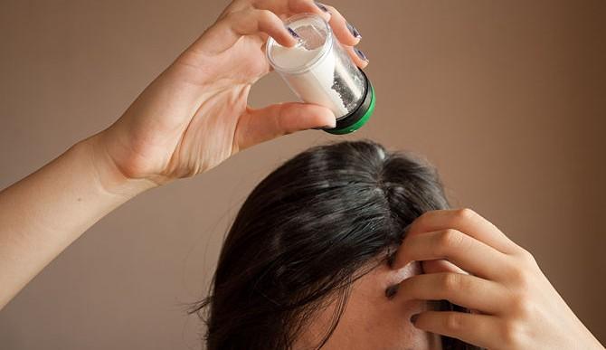 Un ingrediente basta para crear tu propio shampoo seco